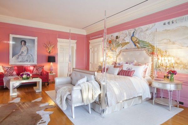Modern Women's Bedroom Decorating Ideas in pink barbie fairytale eclectic style