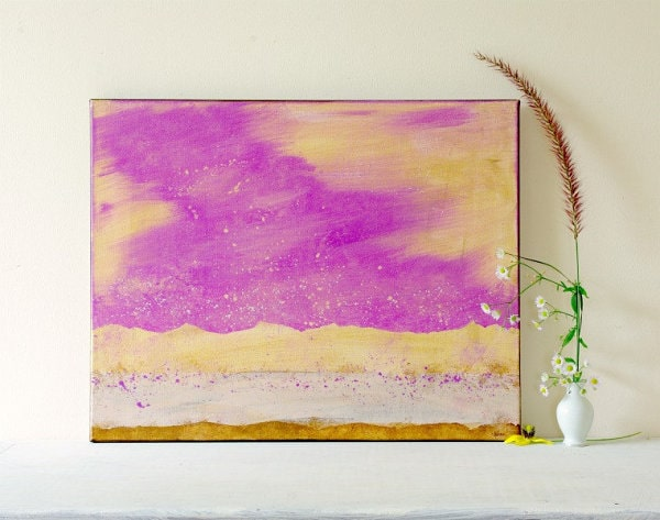 Colorful picture as an element of dining room art