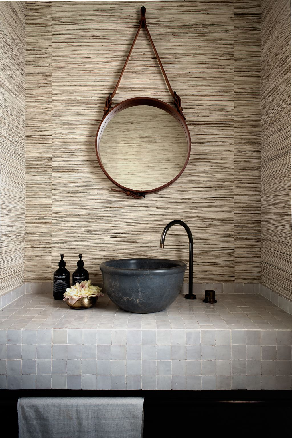 Australian Ocean Shore Private House Design Review. Another shower with rustic Oriental tub for face and hand washing