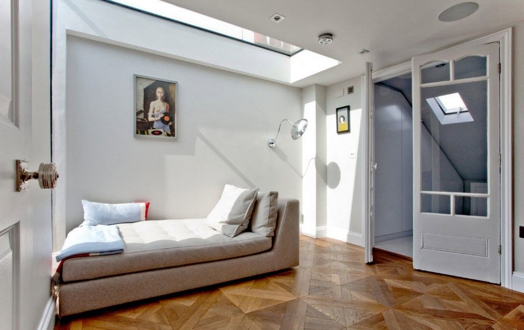 London Bunk Apartment Modern Interior Design Ideas. Pop-art and hi-tech mixes up into felicitous alloy of the English apartment