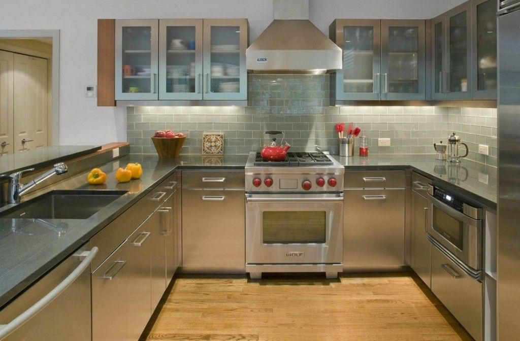 Kitchen Tiles & Furniture Color Сombination. Basic Rules. Steel surfaces of the kitchen set