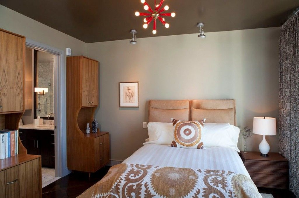 Bedroom Interior Furniture Set Programme Ideas. Suspended glossy brown ceiling with hanging fixtures and original chandelier in the classic style