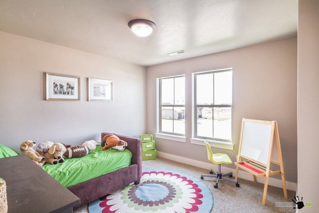 Kids` Room Furniture Selection Advice. Small area for children is multifunctional