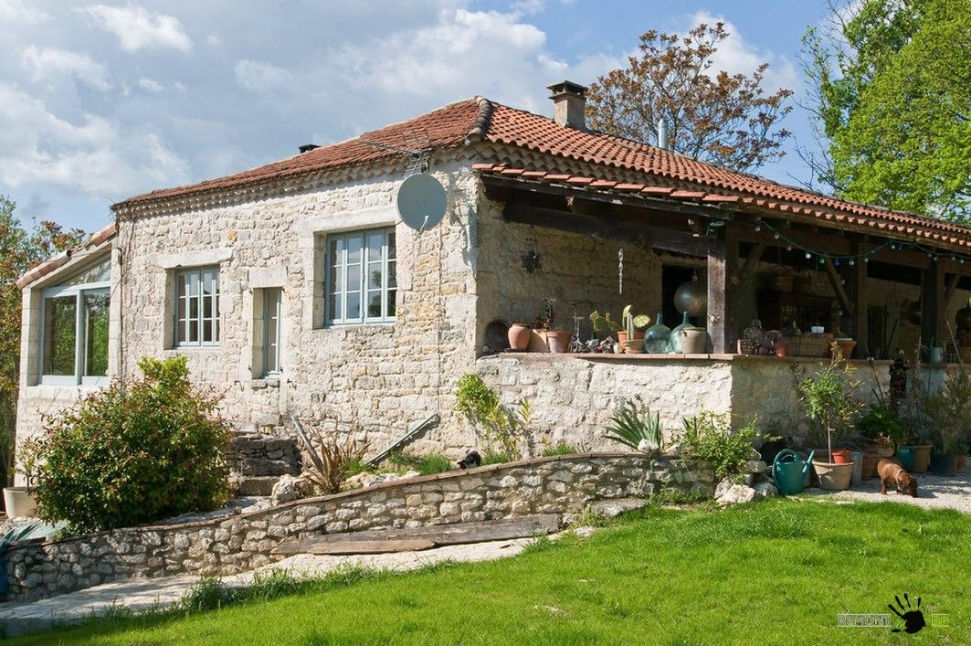 Small Vintage Provence Old French House Design on farmhouse exterior ideas
