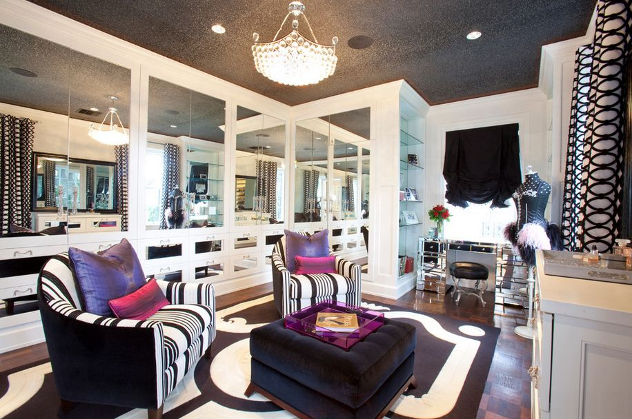 Women`s Personal Space: Boudoir Arrangement Ideas. Nice girlish salon for noisy gatherings and ceration of unique image
