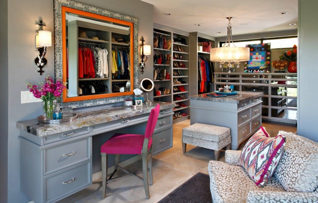 Women`s Personal Space: Boudoir Arrangement Ideas in the picturesque wardrobe
