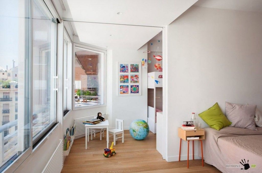 Kids` Room Furniture Selection Advice. White ordinary design if the room full of stuff