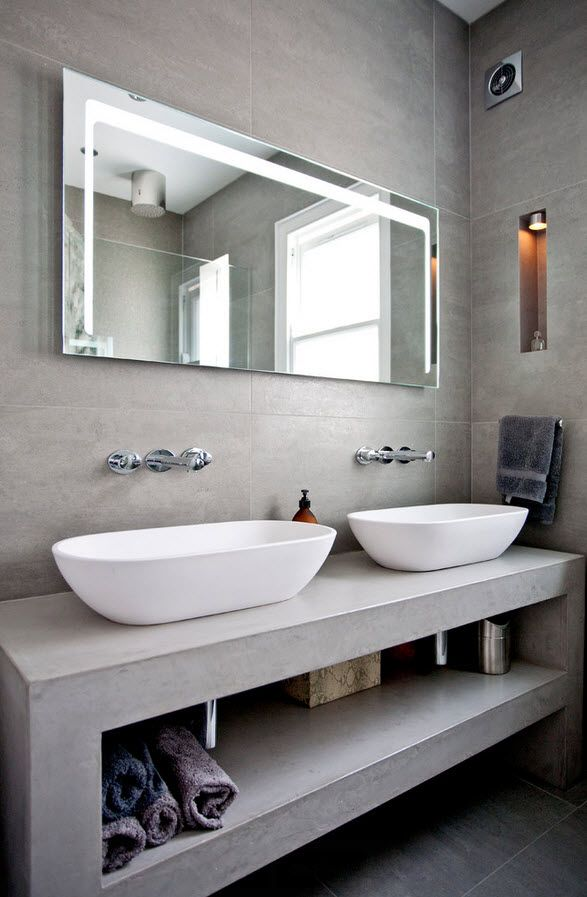 London Bunk Apartment Modern Interior Design Ideas. Two oval white sinks and open shelves for towels and accessories in the gray tones look organically and attractive