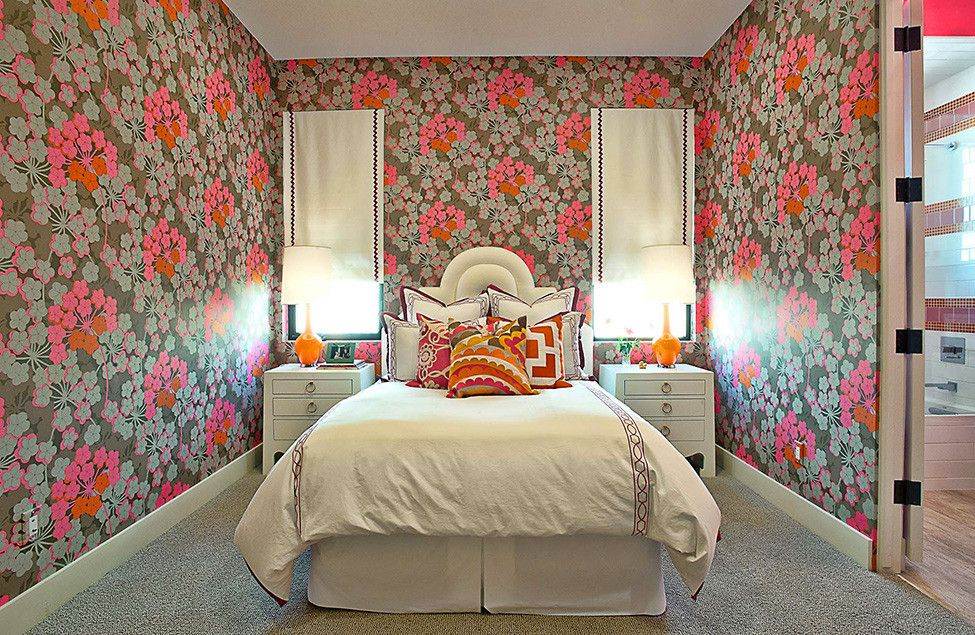 Rugs, Carpet, Carpeting Interior Design Ideas. Unusually wallpapered room with colorful pattern and mobochrome gray carpeting