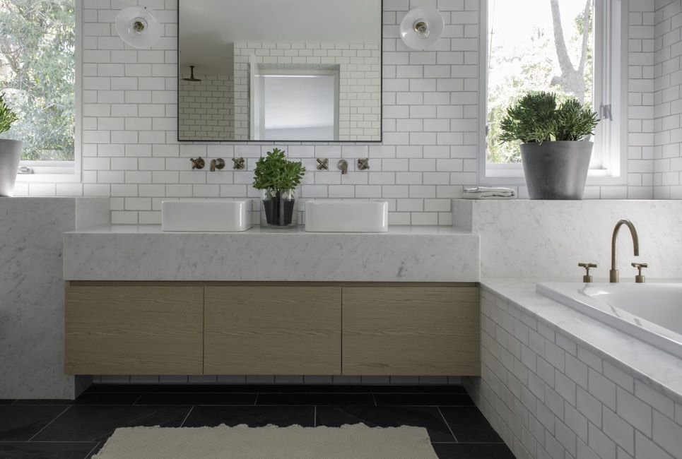 Australian Ocean Shore Private House Design Review. Minimalistic style in the bathroom for two and touches of eco design in the form of flower pots
