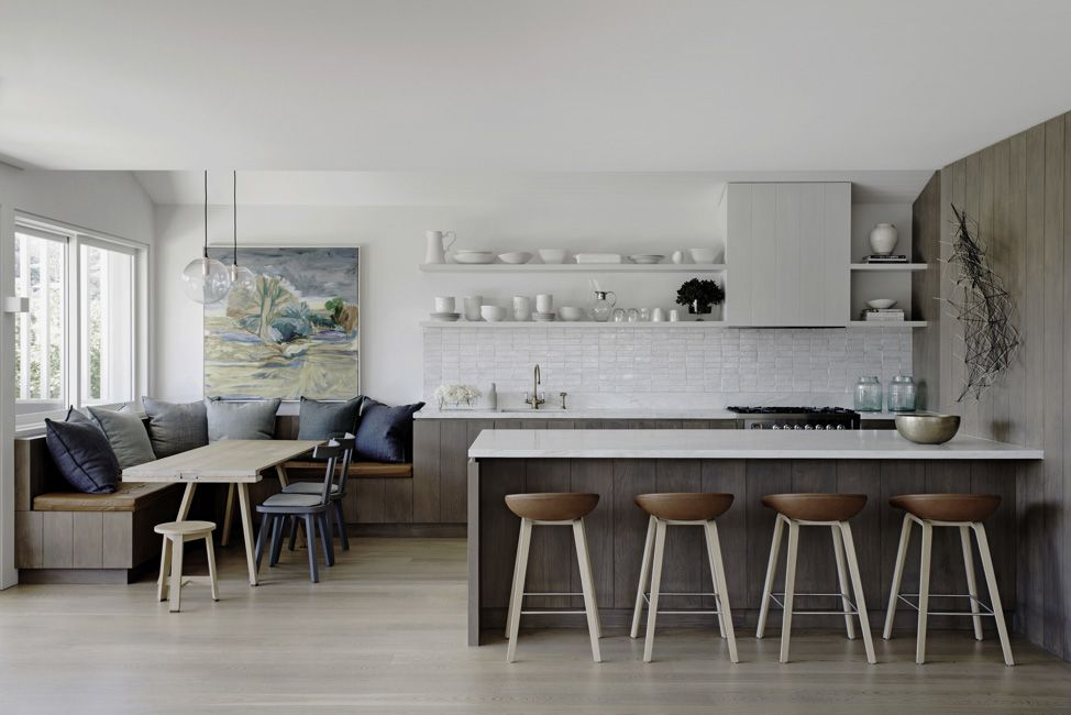 Australian Ocean Shore Private House Design Review. Dining zone and the dining in the successful alloy of the minimalistic and rustic styles