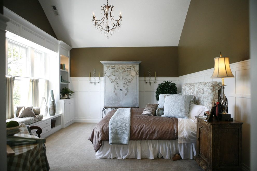 Bedroom Interior Furniture Set Programme Ideas. Patterns all over the classic place design