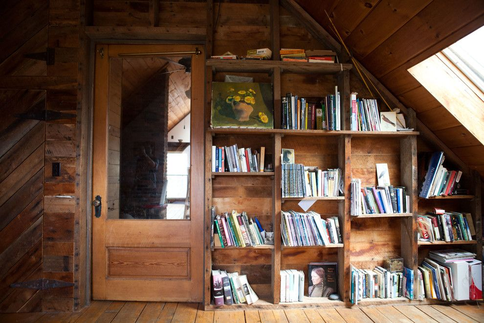Nice Unusual Bookshelves Interior Decoration in the wooden trimmed atmosphere of rustic style
