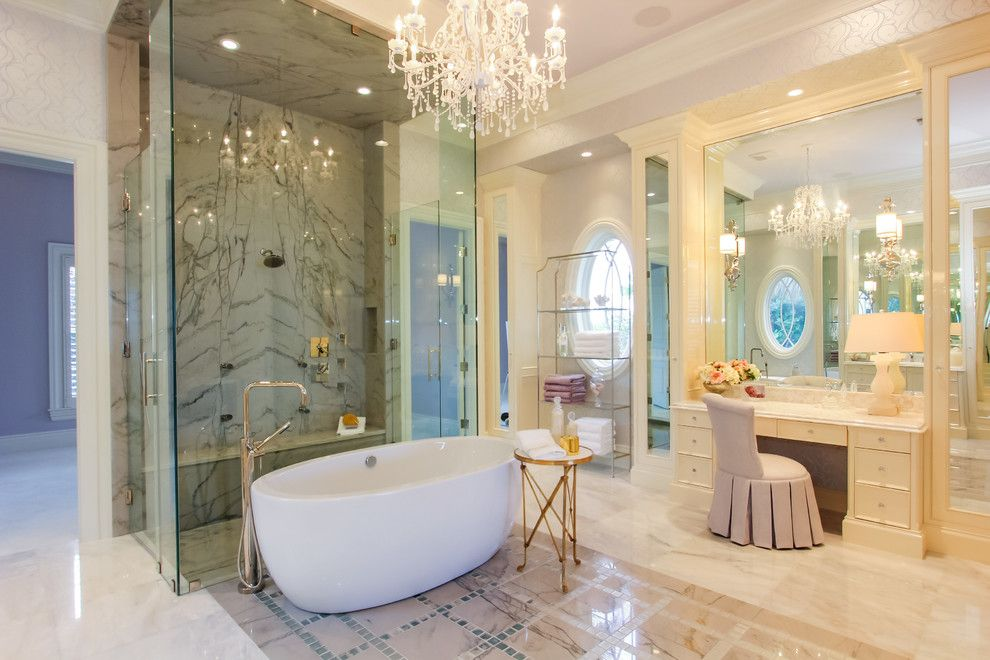 Women`s Personal Space: Boudoir Arrangement Ideas in the spacious bathroom