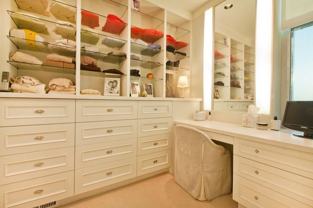 Women`s Personal Space: Boudoir Arrangement Ideas for multipurpose room