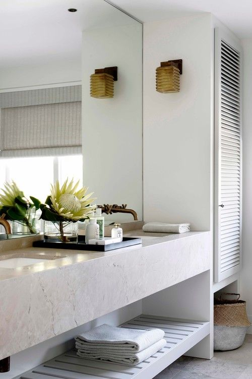 Australian Ocean Shore Private House Design Review. Big mirror in the bathroom