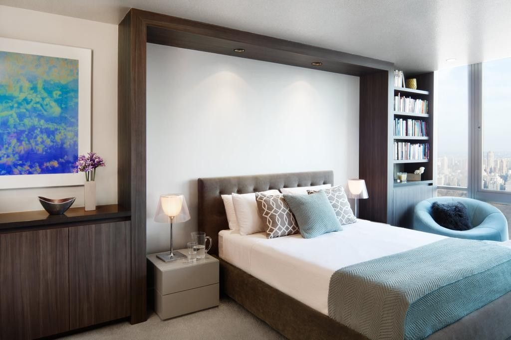 Bedroom Interior Furniture Set Programme Ideas. Nice decorative black wood headboard frame to the ceiling helps zone the apartment