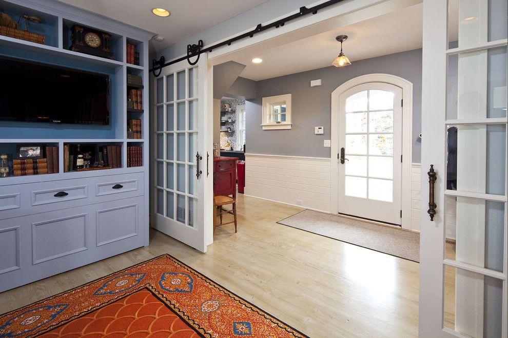 sliding doors interior design ideas. Latticed glass of the wide living room gates