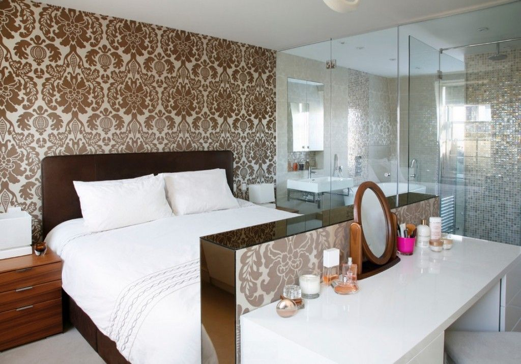 Women`s Personal Space: Boudoir Arrangement Ideas. Folding mirror at the dressing table near the bed