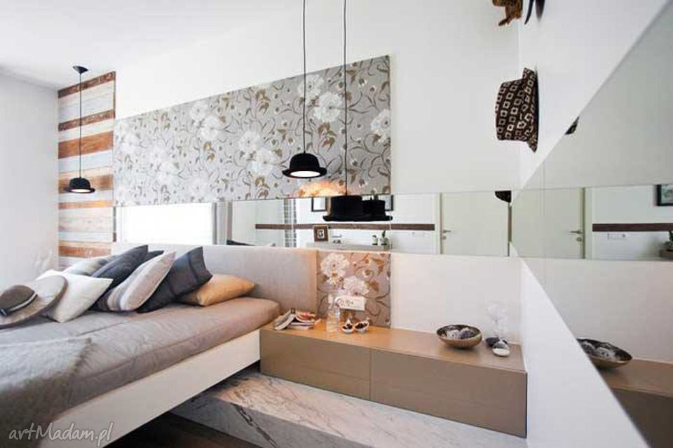 Bedroom Interior Furniture Set Programme Ideas. Nice black hanging fixtures with soft light and painted wallpaper at the headboard