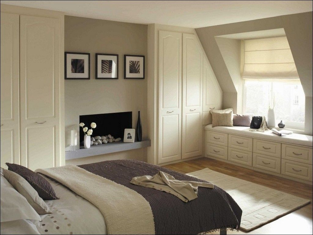 Dream Bedroom Wardrobe Decorating Ideas. Nice shitw neat atmosphere and sloped carved accordion doors for cabinets of the dressing
