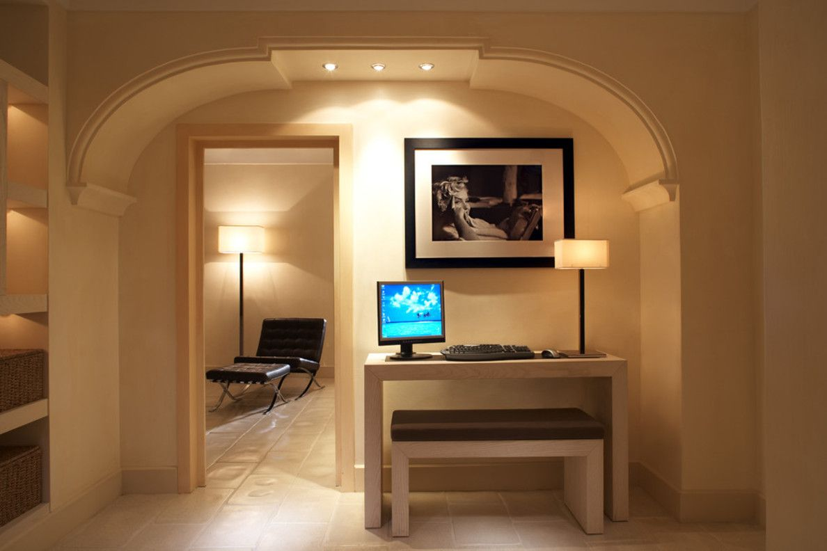 Interior Room Arches Decoration Ideas. Thick arch descoration with additional built-in lighting fixtures