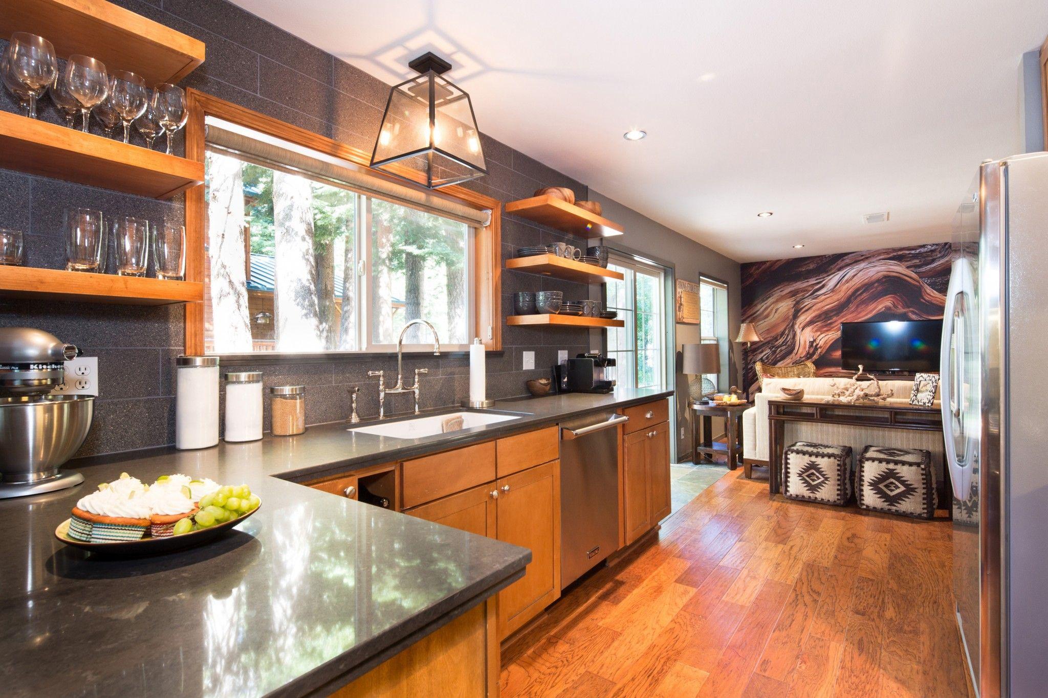 Choosing Best Kitchen Tile Ideas. Futuristic and laconic design