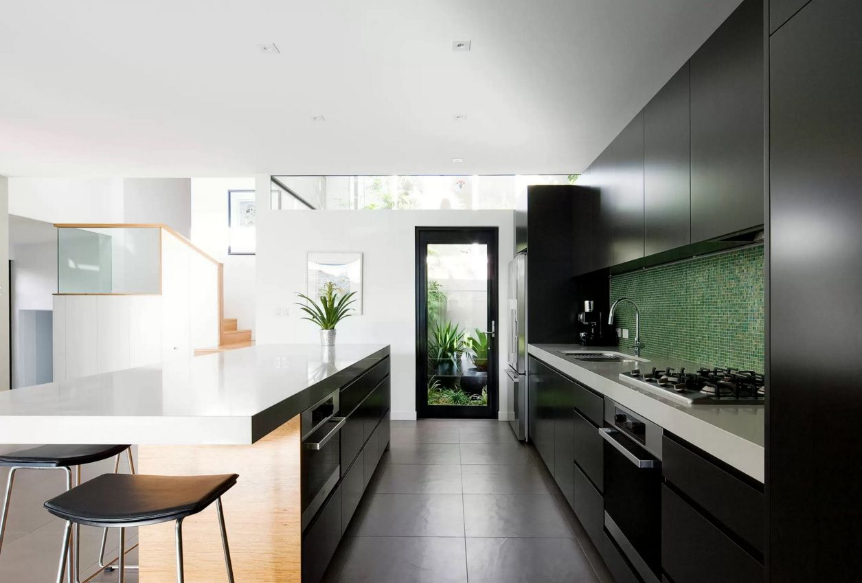 Kitchen Design Latest Trends 2016. Black and white contrasting atmosphere in the galley layout