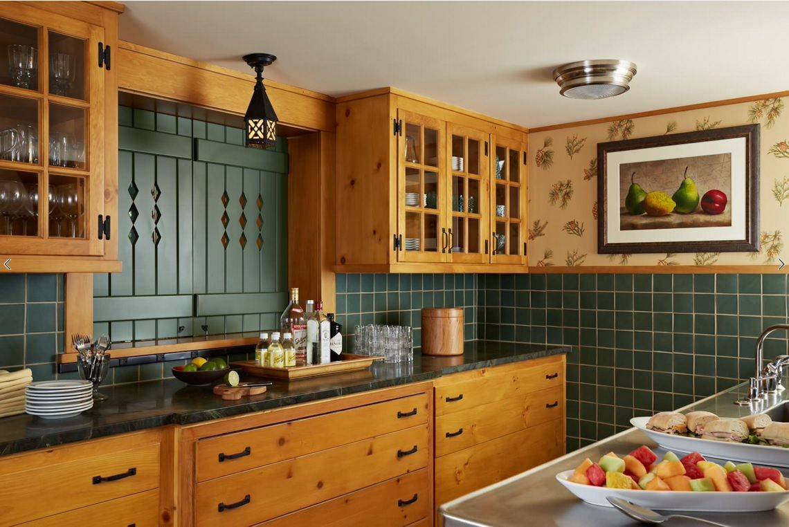 Choosing Best Kitchen Tile Ideas. Light wooden Country style design