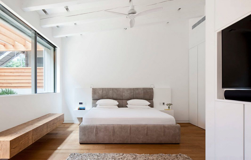 Ceiling Designs 2016: Full Review of the New Trends. White trimming of the neat bedroom with air fans