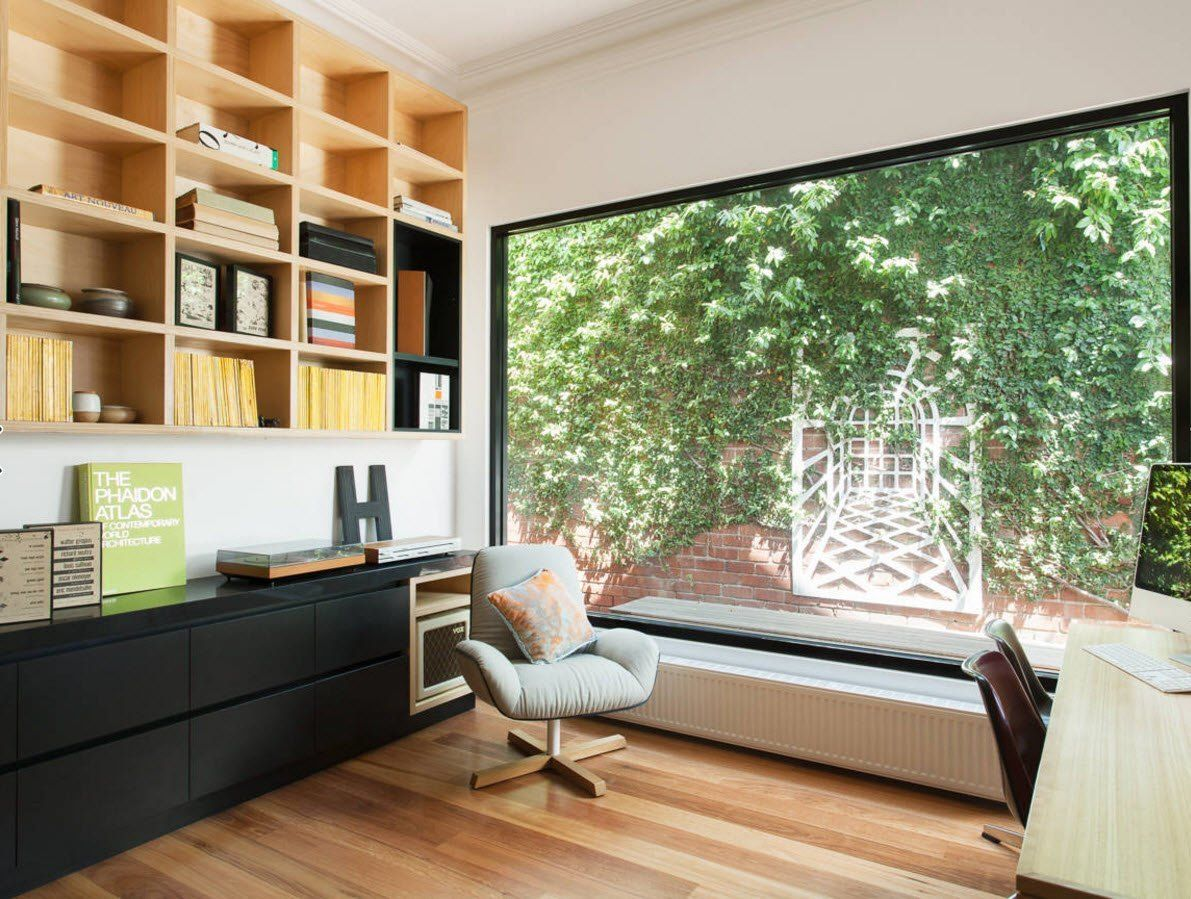 Panoramic Windows Design and Using in Modern Homes Ideas. Reading zone that can be used as the home office