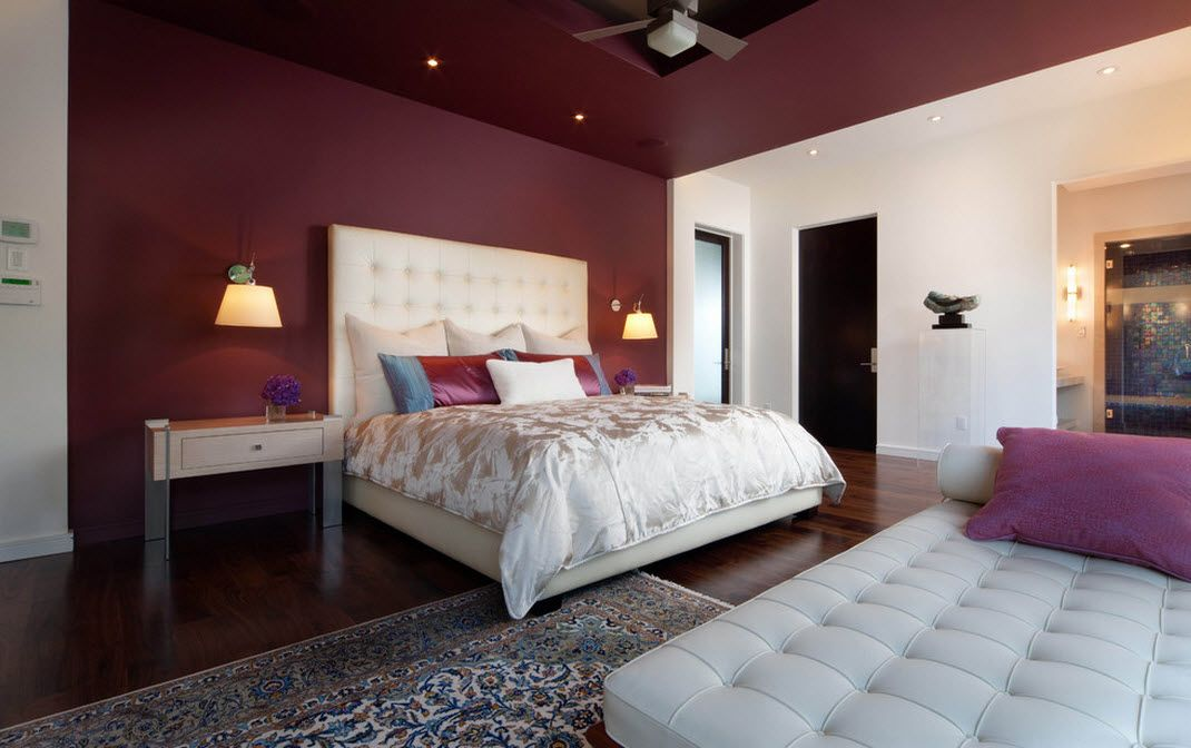 Ceiling Designs 2016: Full Review of the New Trends. Crimson trimming in the bedroom