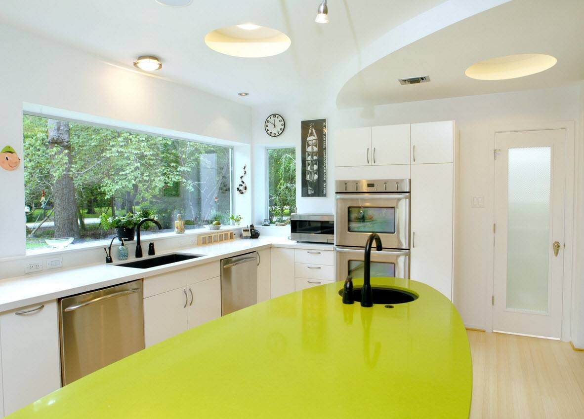 Panoramic Windows Design and Using in Modern Homes Ideas. Unusual lime color for the counter looks impressive at the background of large window