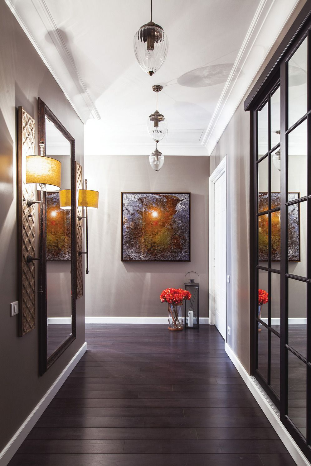 Modern Hallway Decoration Design Ideas. Complex lighting and natural dark wooden materials in the floor to emphasize the status of the space
