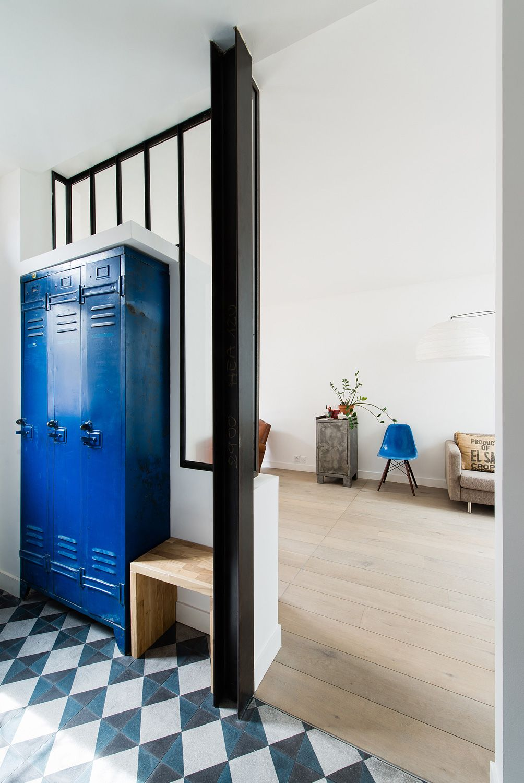 Modern Hallway Decoration Design Ideas. Blue dorm cabinet to the fresh decoration