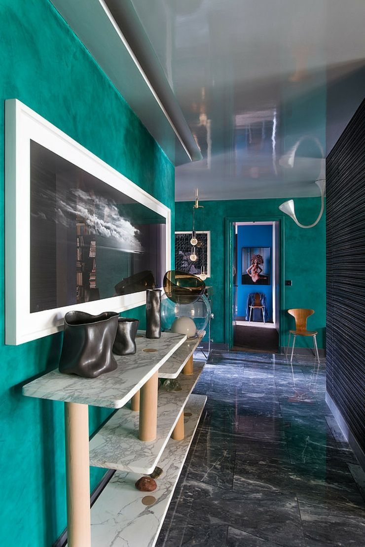 Modern Hallway Decoration Design Ideas. Alternative decoration of the passway and unusual color palette of green shades