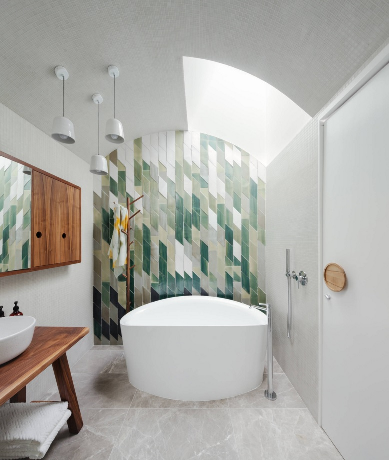Bathroom Modern Interior Design Original Ideas. Another gorgeous example of the trimming of the accent wall