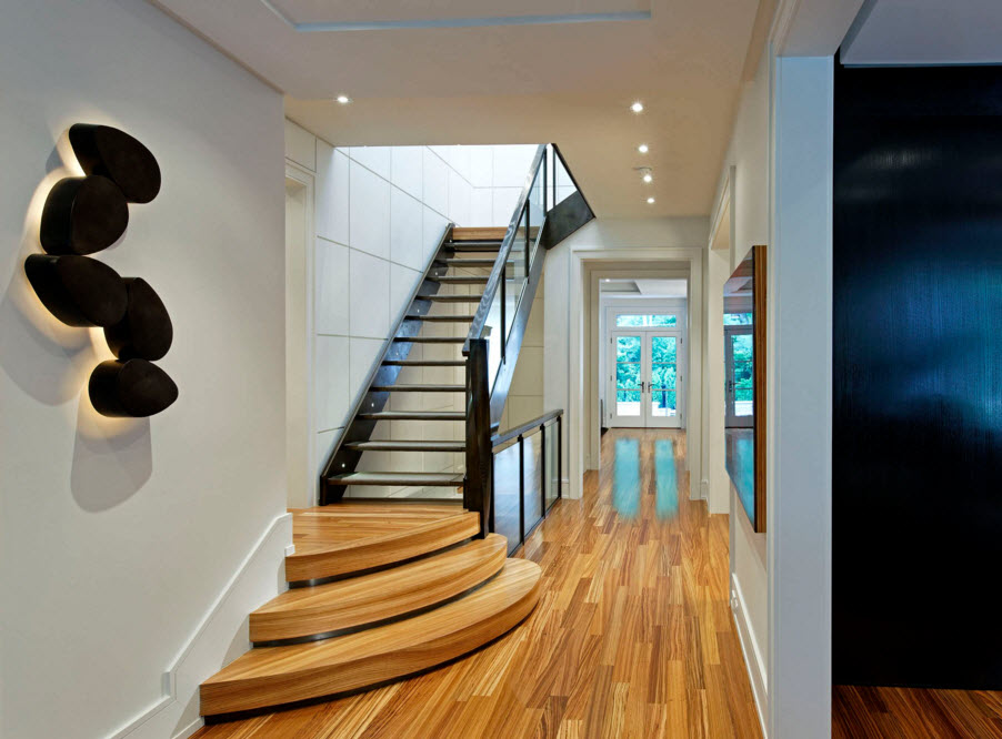 Nice staurs design with steps-pedestals