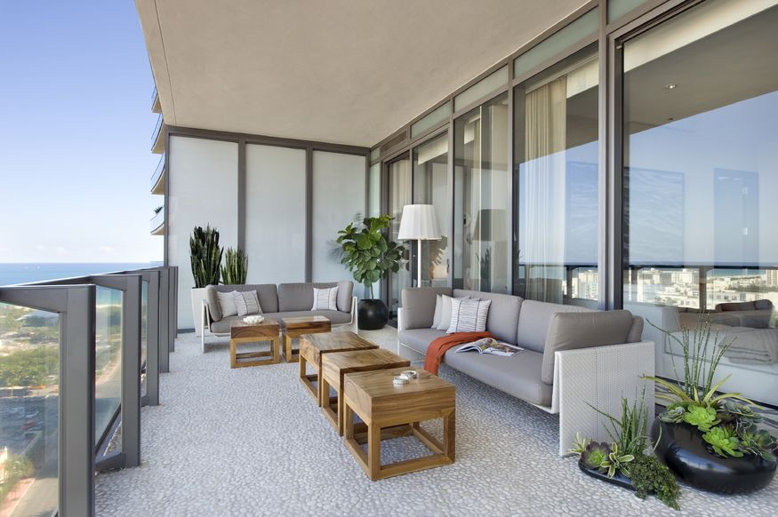 Modern Balconies Interior Design Ideas. Nice open loggia at the skyscraper