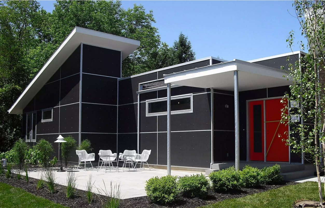 Original House Exterior Design Ideas. Black riveted panels of the unique house trimming