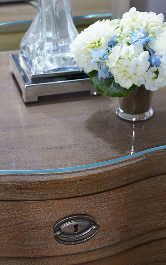 Modern Classics Private House Design Ideas. Glass coating of the bedside closet
