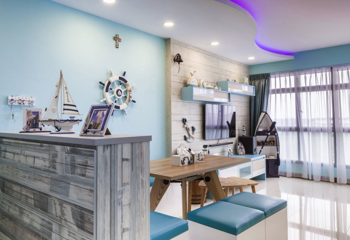 Hi-tech and Marine Style Mix for Small Apartment. Room decoration is a sailor`s dream: nautical stuff, succesfully picked colors to recreate the real marine theme
