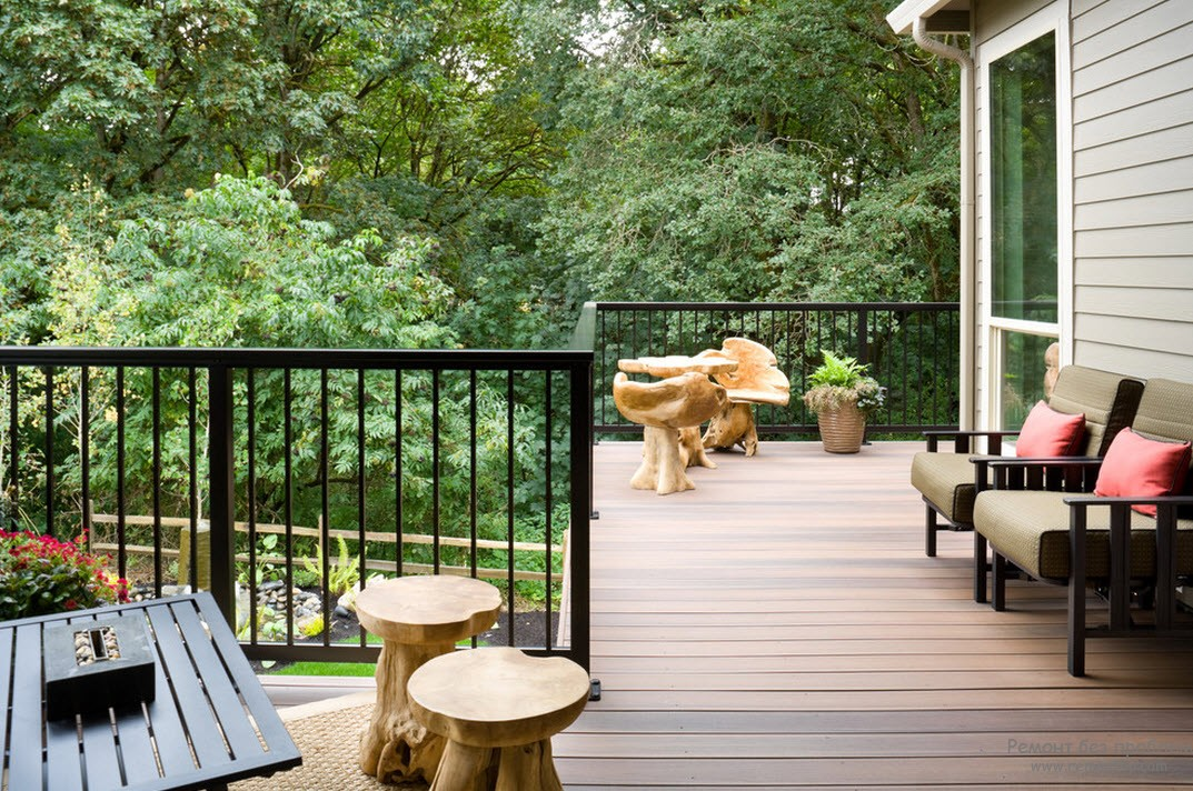 Modern Balconies Interior Design Ideas. Loggia at the private house in the forest