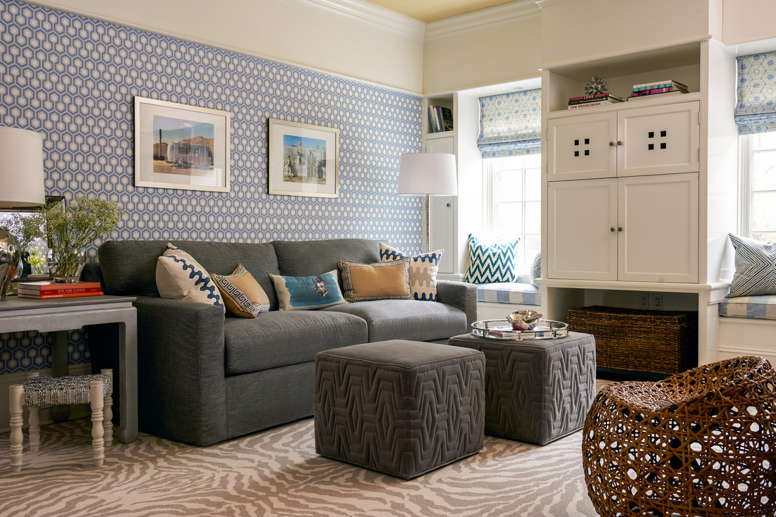 Blue Color Decoration Ideas for Living Room. Nice paint of wallpaper sets the mood