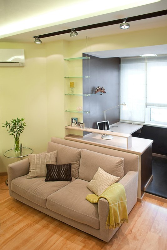 40 Square Meters Irregular Shape Apartment Photo Review. Studio living room with working place