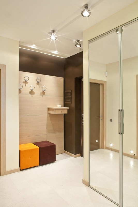 40 Square Meters Irregular Shape Apartment Photo Review. Bright interior of the bathroom full of light
