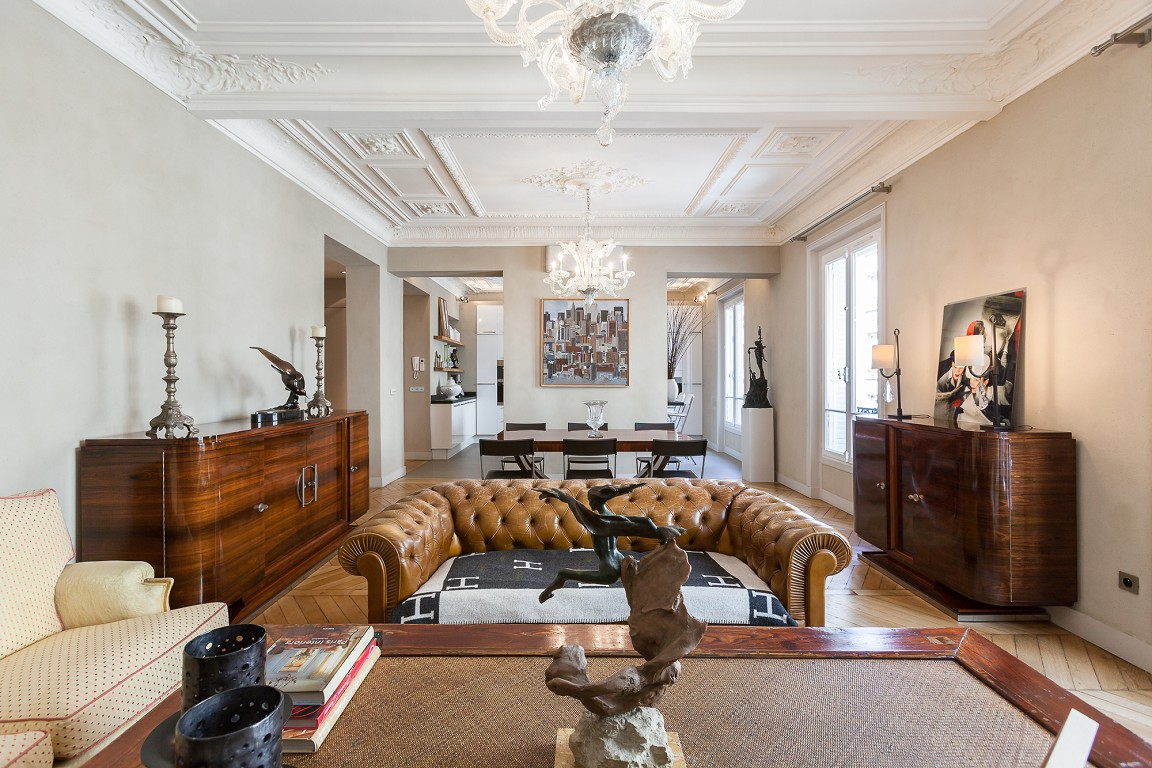 Classic Style Furniture fro Practical Chic Interiors. French business theme in the interior
