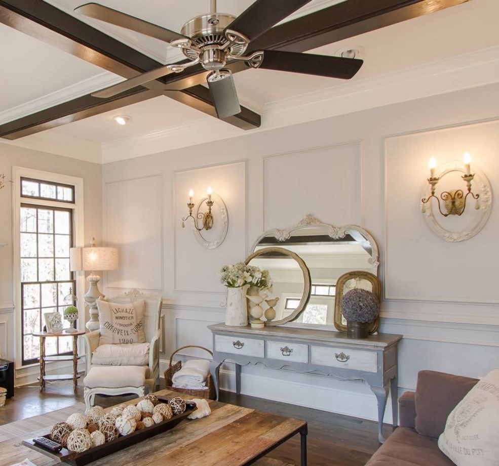 Classic Style Furniture fro Practical Chic Interiors. Fan and boudoir in the premise
