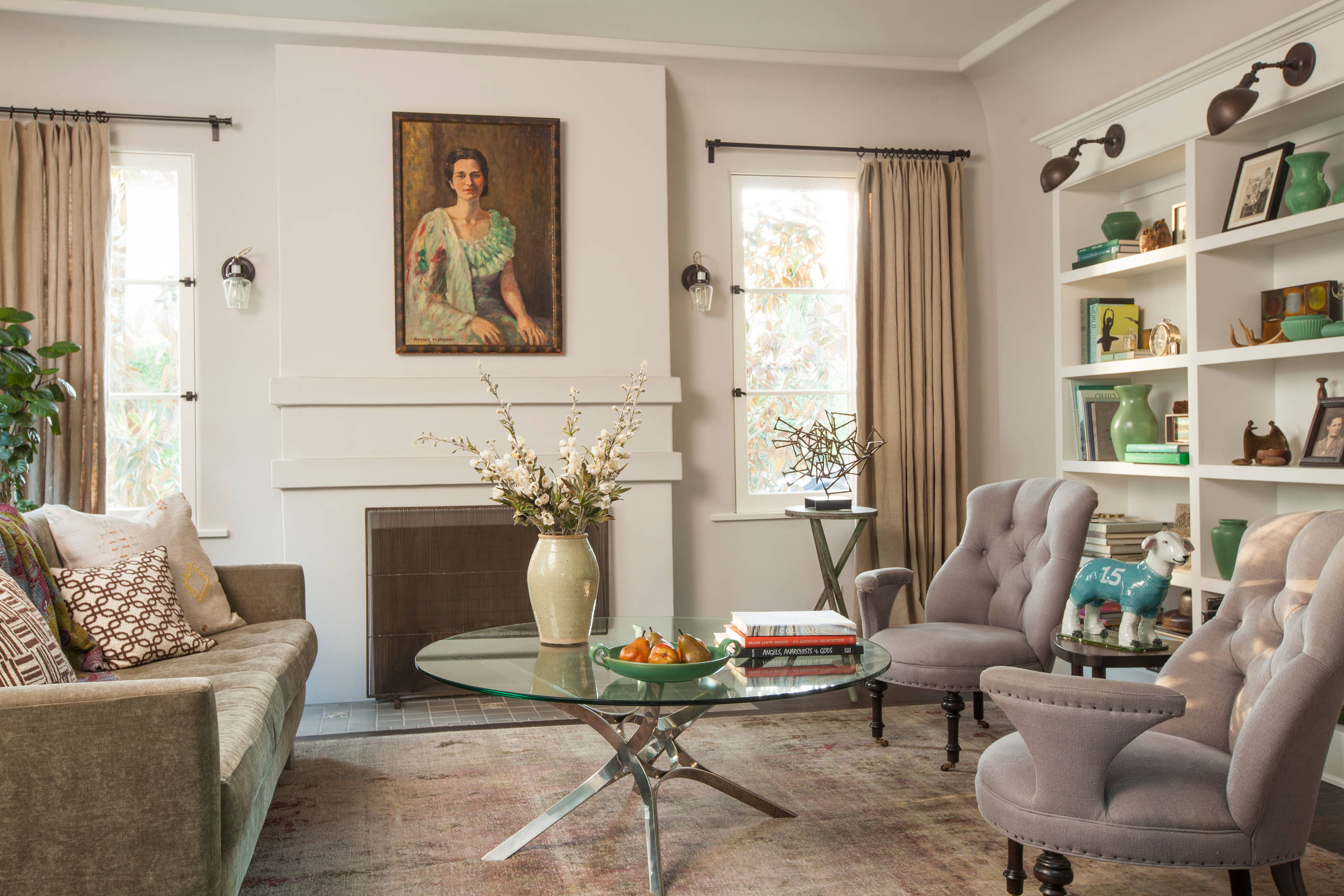 Classic Style Furniture fro Practical Chic Interiors. Real classicism emphasized by the large oil painting