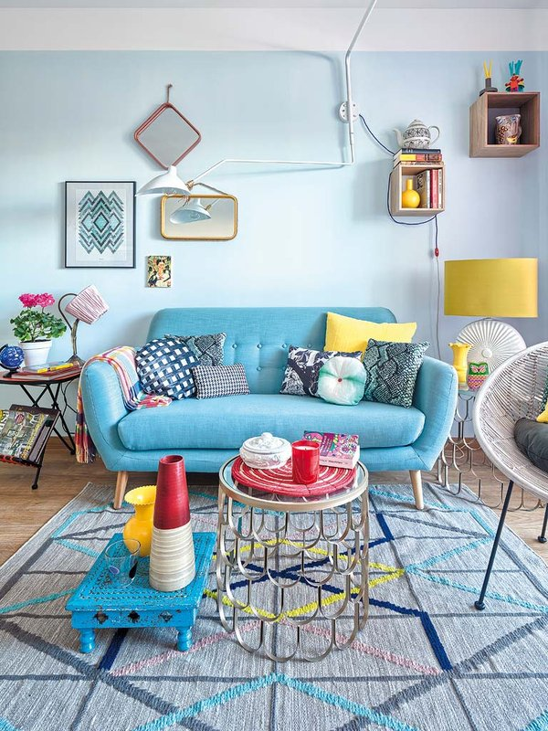 Blue Color Decoration Ideas for Living Room. Light blue tender finishing of the eclectic styled premise